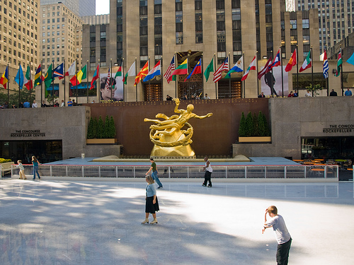 Rockefeller Center Ice Staking 20981110