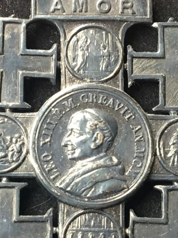 Croix de Jérusalem - Vatican Img_2919