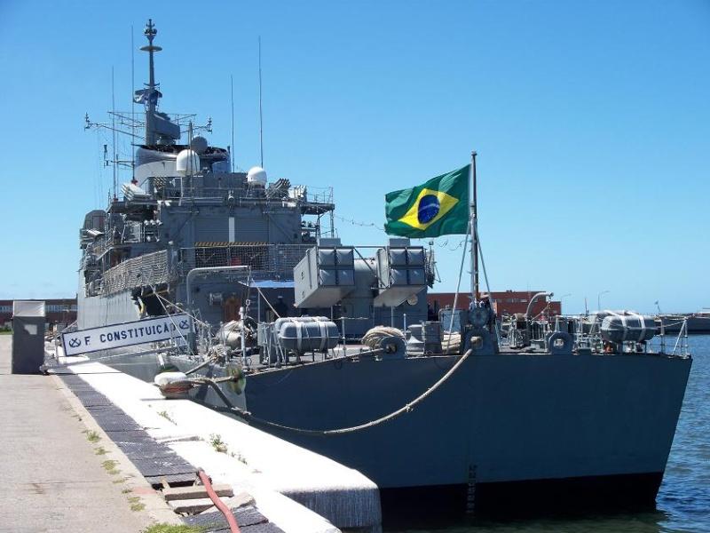 Marinha do Brasil F-42_c11
