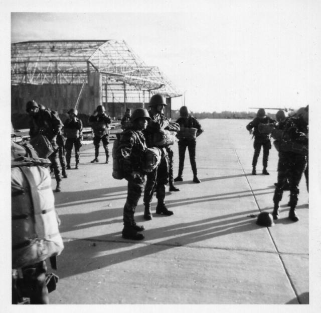 LE PUTSCH  21 AVRIL 1961- Récit d'un commando du 40 Destin10