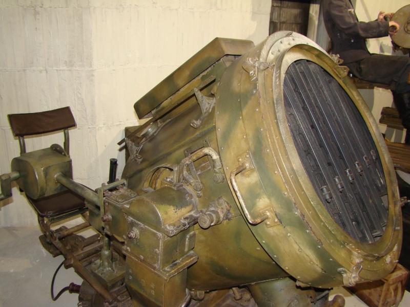 bunker - Bunker et projecteur - Page 2 Dsc06912