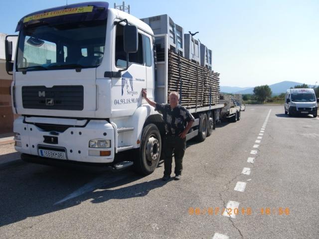 Des photos de camions bétaillères à moutons et d'autres photos de camions aussi conduit par Henry Elie . - Page 3 La_cio10