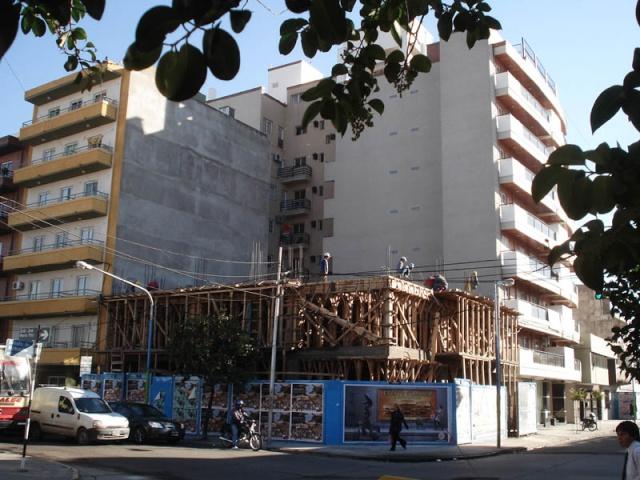 APOSTEMOS AL SECTOR DE LA CONSTRUCCIÓN 810