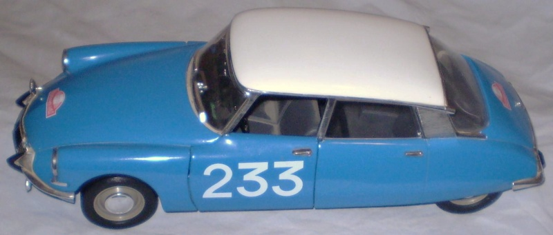Citroën DS 1/18° SOLIDO Solido19