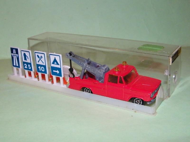 N°351 Dodge dépanneuse + signaux 102e9112