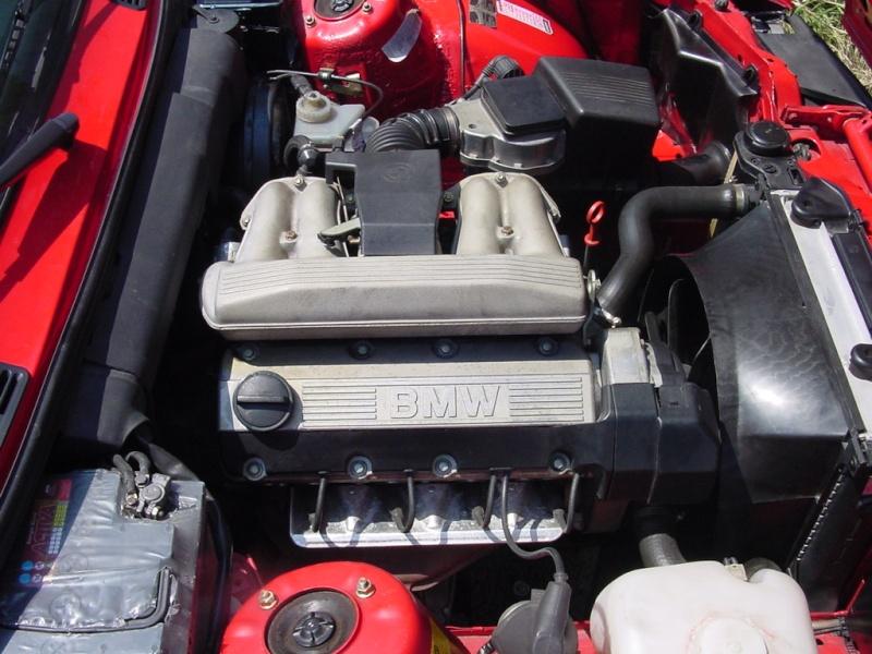 [BMW 316 i E30] Changement des injecteurs Dsc07511