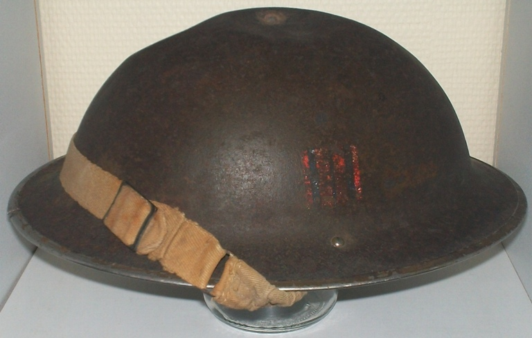 Ma petite collection de casques Anglais provenant du Calvados  100_9923