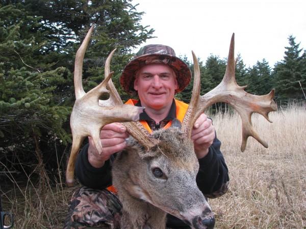 Chevreuil : le Caribou-Buck : Un trophée avec des palmures ! Img_0110