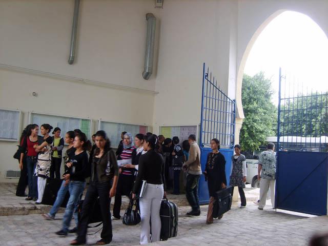 بداية السنة الجامعية 2008-2009 Porte10