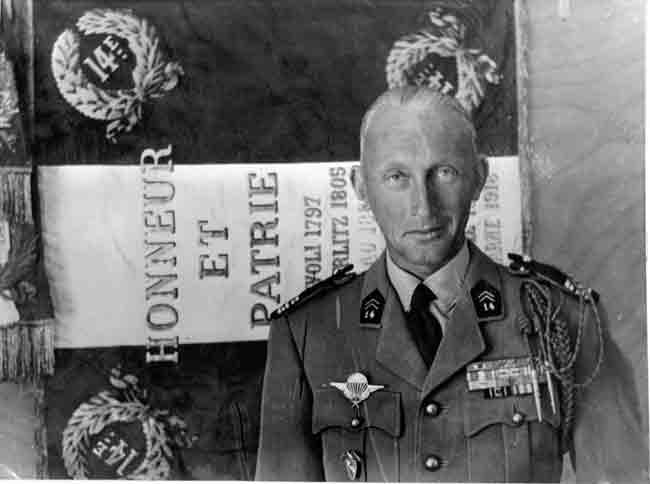 LE COLONEL LECOMTE COMMANDANT LE 14 RCP EN 1961. Colone10