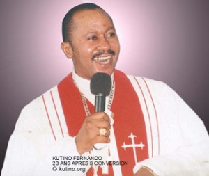 Le pasteur Kutino vient de faire une crise d'AVC qui aurait provoqué une paralysie partielle! Kf-30010