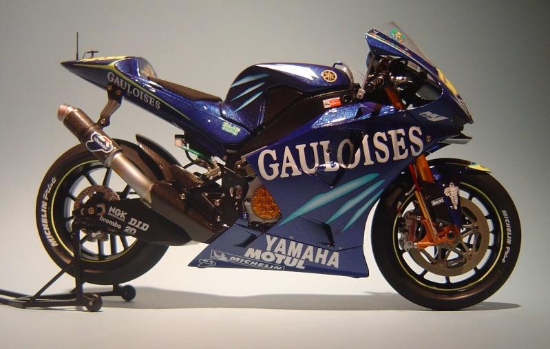 Yamaha YZR M1 2004 Valentino Rossi Dsc04146