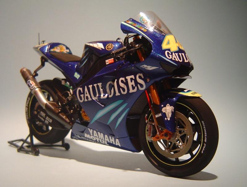 Yamaha YZR M1 2004 Valentino Rossi Dsc04147