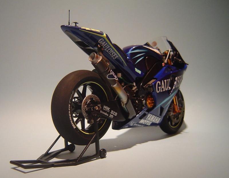 Yamaha YZR M1 2004 Valentino Rossi Dsc04148