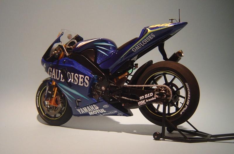 Yamaha YZR M1 2004 Valentino Rossi Dsc04149