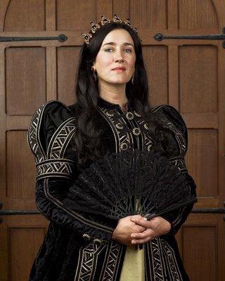 Maria Doyle Kennedy / Catherine d'Aragon  [Saisons 1 & 2] 00000311