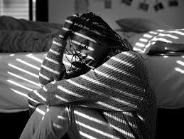 10 Ways to Respond to a Loved One Exhibiting Signs of Depression Girlsa11