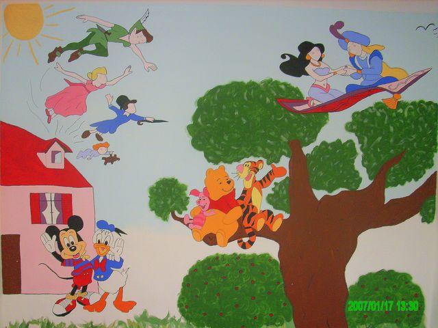 Fresque peinte dans la chambre de mon bébé Chambb10