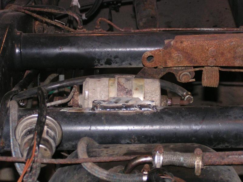 CJ 7 sur chassis mercedes et V8 mercos Pict5214