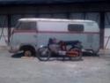 ma honda ss 50 devant un vieux bus !! Img_0310