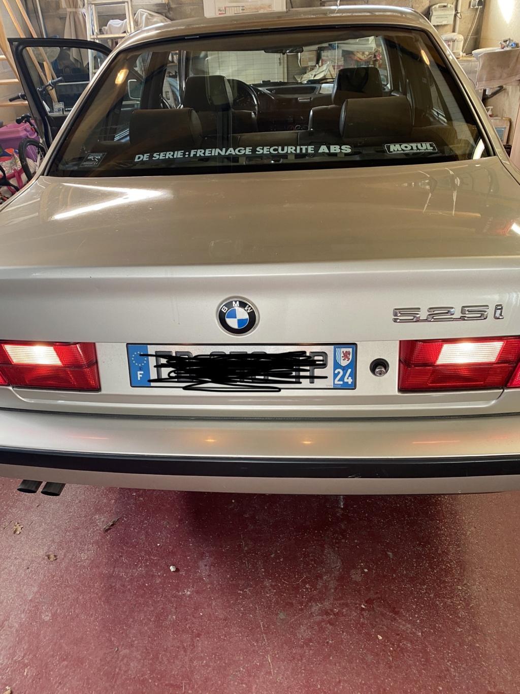 [ BMW E34 525i BG02730 an 1990 ] Problèmes de feux arrières.(Résolu) Img_e710