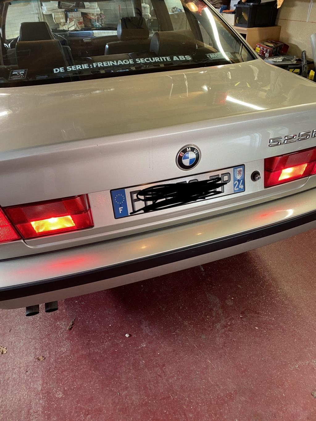 [ BMW E34 525i BG02730 an 1990 ] Problèmes de feux arrières.(Résolu) Img_e711