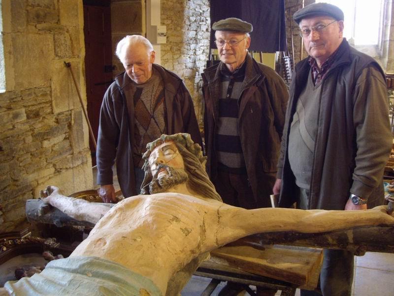 Restauration de la Croix (issue de la Poutre de Gloire) de Brasparts Imgp2512