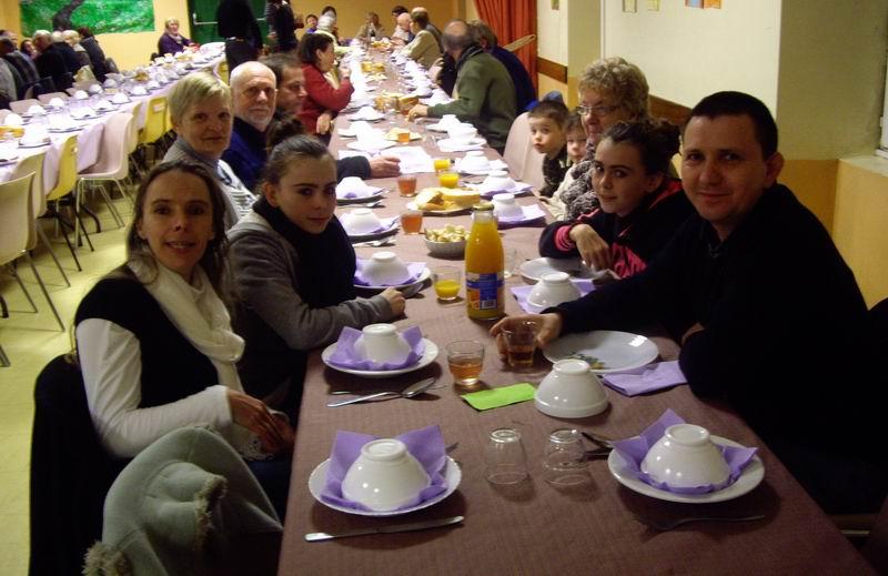 École Saint Thérèse : Kig ha farz le 16 mars Imgp3221