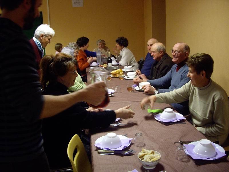École Saint Thérèse : Kig ha farz le 16 mars Imgp3223