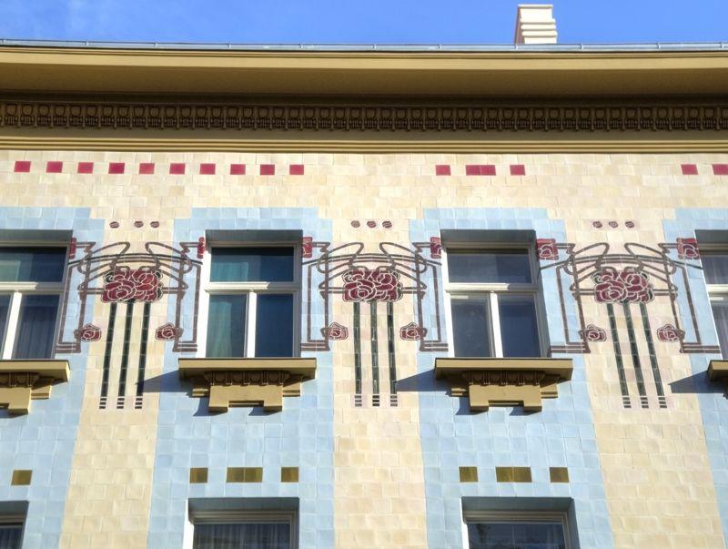 STREET VIEW : les maisons art nouveau  Kuca_k10