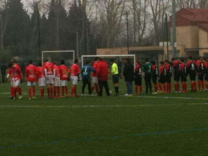 Très large victoire des U15 Honneur 10 à 1 face à Uzès. 13_fav11