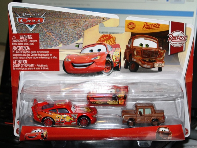 [CARS 2] Lightning McQueen with Sign and Fred Woc210