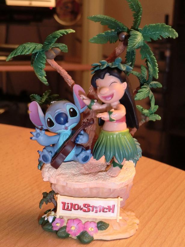 Lilo & Stitch - Page 4 Cimg1712