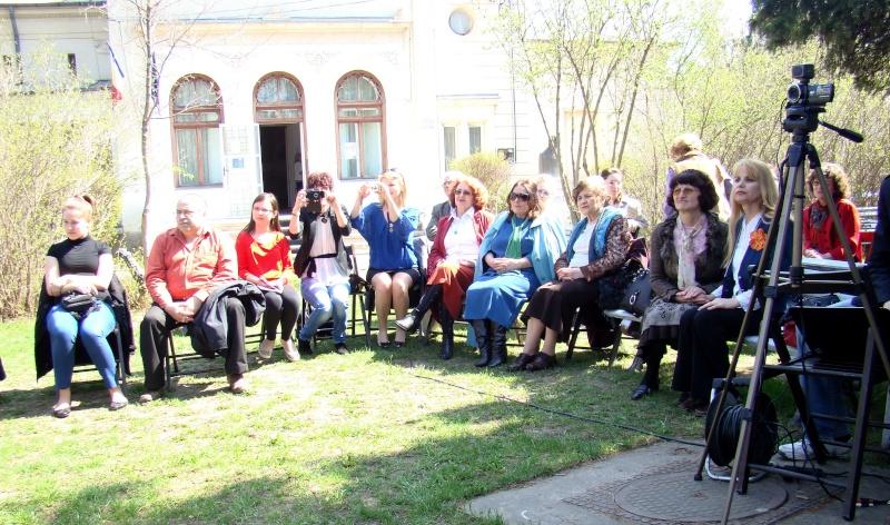 """Lansare """"Zvârcoliri de Cristalin""""- Florin Stratulat şi """"Zbatere de pleoape""""- Dorina Neculce- 20 aprilie 2013  Lansar10"""