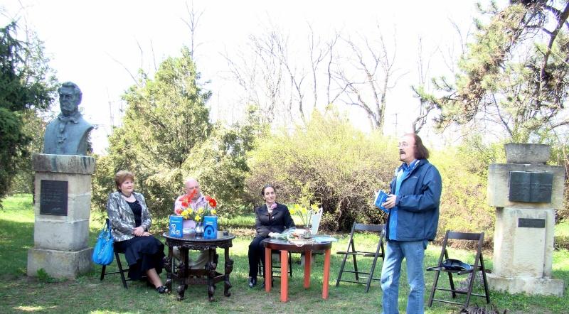 """Lansare """"Zvârcoliri de Cristalin""""- Florin Stratulat şi """"Zbatere de pleoape""""- Dorina Neculce- 20 aprilie 2013  Lansar22"""