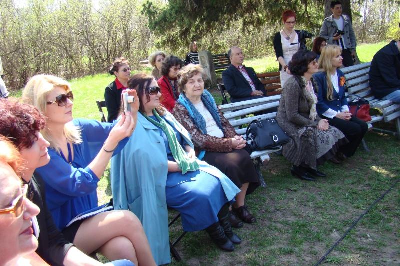"""Lansare """"Zvârcoliri de Cristalin""""- Florin Stratulat şi """"Zbatere de pleoape""""- Dorina Neculce- 20 aprilie 2013  Lansar47"""