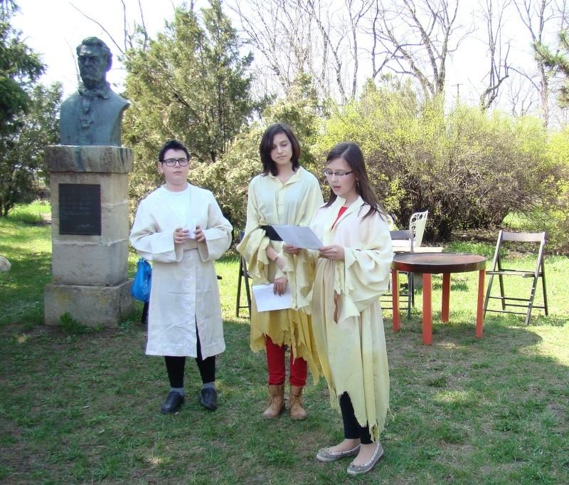 """Lansare """"Zvârcoliri de Cristalin""""- Florin Stratulat şi """"Zbatere de pleoape""""- Dorina Neculce- 20 aprilie 2013  Lansar61"""