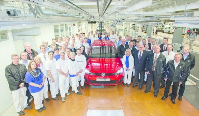 Golf 7 GTI - 05 mars présentation officielle au Salon de Genève 2013 (1/2) 000_vo11