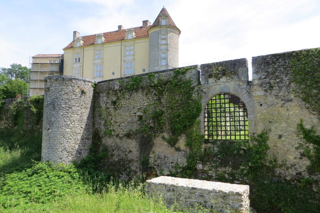 visite : 24 - (Mussidan) château de Montréal Img_0610