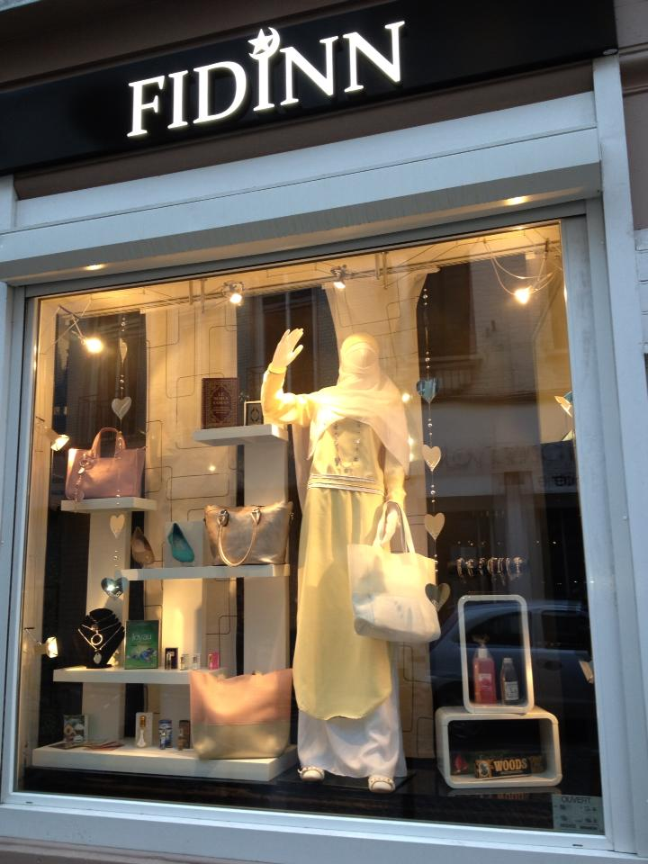 "Boutique "" FIDINN "" 48412610"