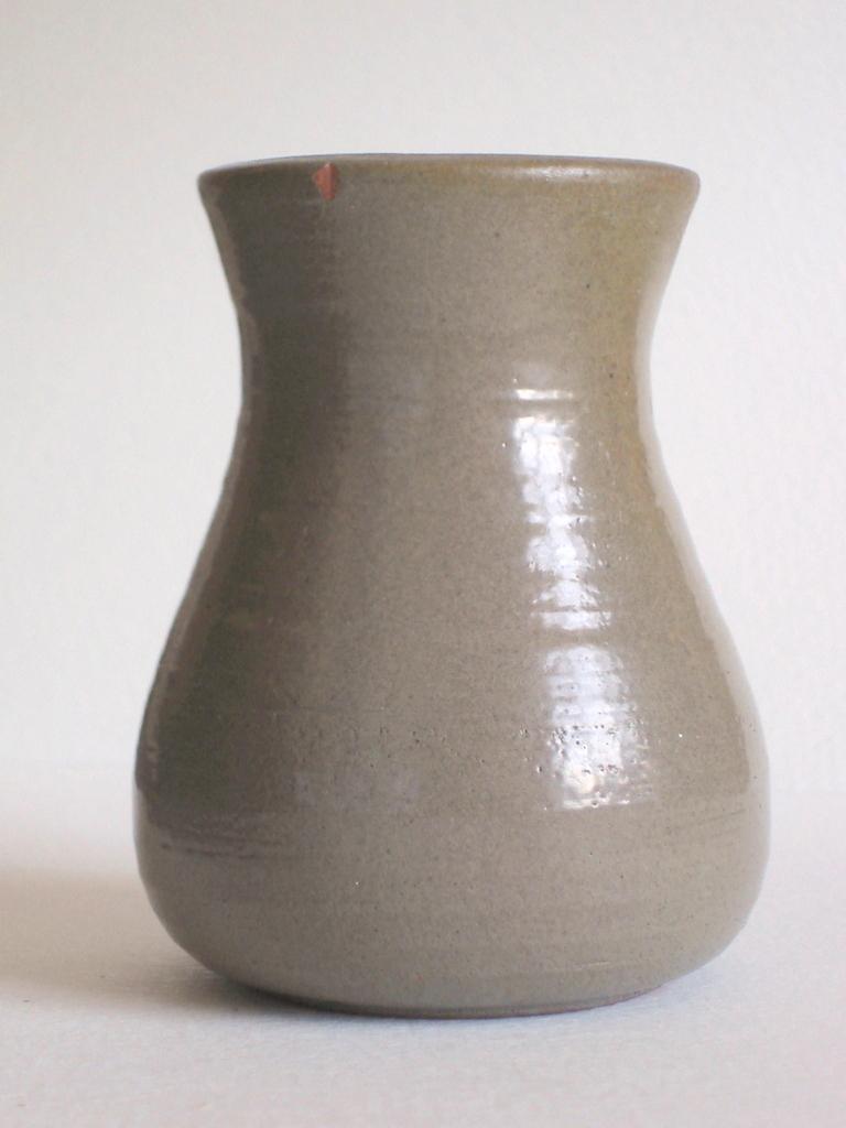 John N.S. Green, Basing Farm Pottery, Sussex  Dsc07213