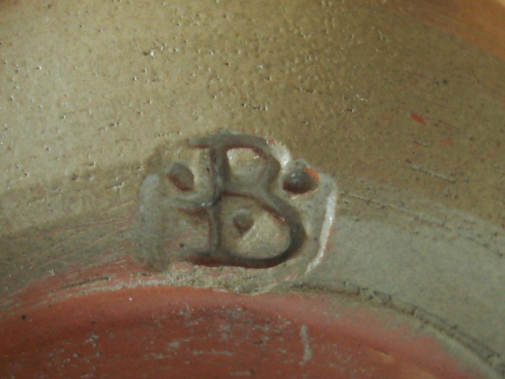 John N.S. Green, Basing Farm Pottery, Sussex  Dsc07217