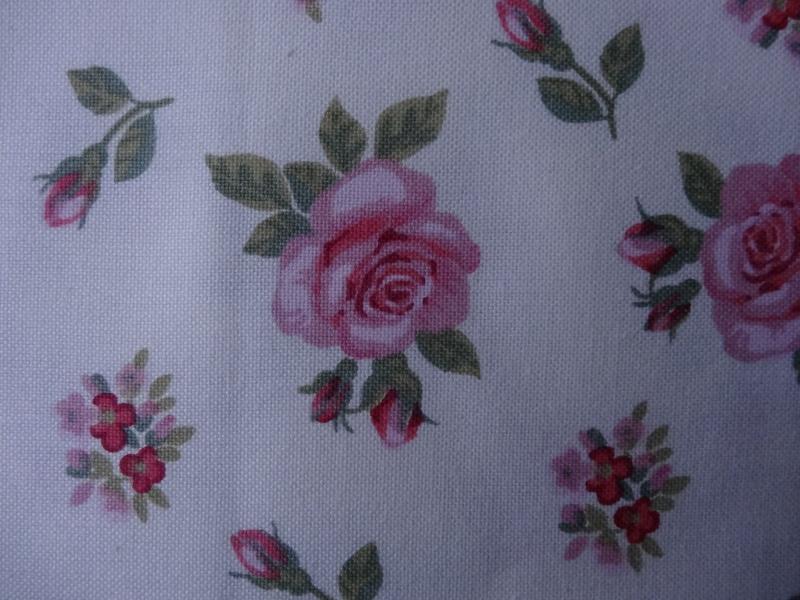 nouveau concours : le plus beau tissus .... - Page 2 Dsc00011