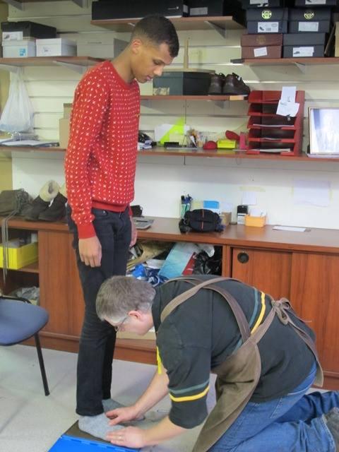 25/03/13 Fabrication des chaussures du clip Papaoutai chez Nekto  4757_110
