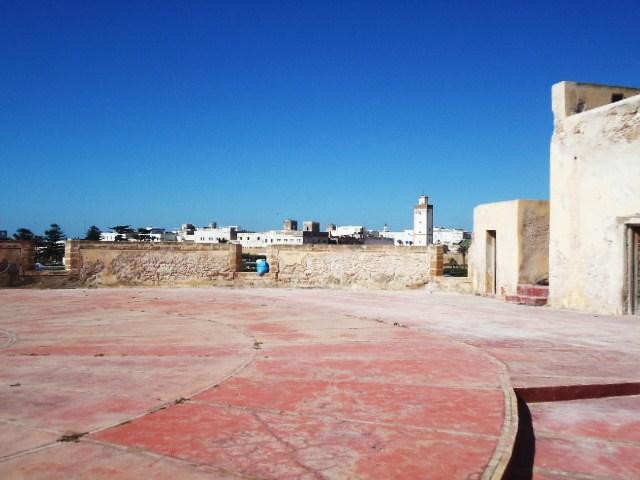Essaouira- Mogador :Jamais vue de ce coin par oulad lablad :la terrasse du Bastion de Bab Marrakeche : Dsc05111
