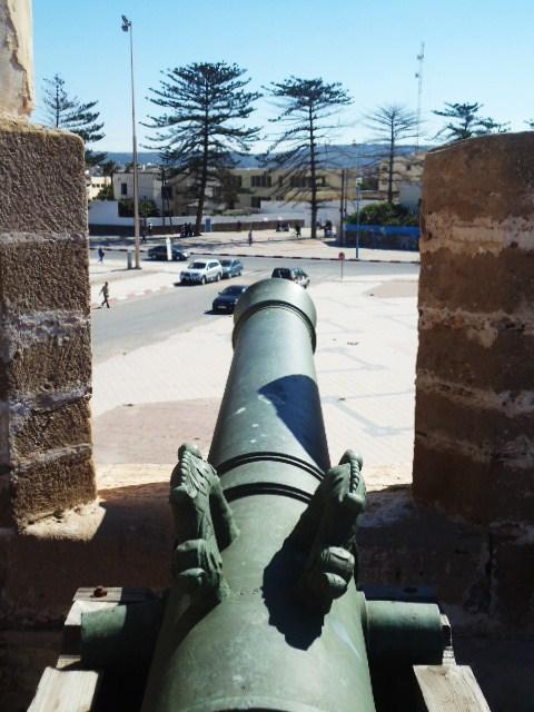 Essaouira- Mogador :Jamais vue de ce coin par oulad lablad :la terrasse du Bastion de Bab Marrakeche : Dsc05113