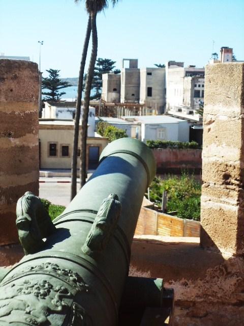 Essaouira- Mogador :Jamais vue de ce coin par oulad lablad :la terrasse du Bastion de Bab Marrakeche : Dsc05116
