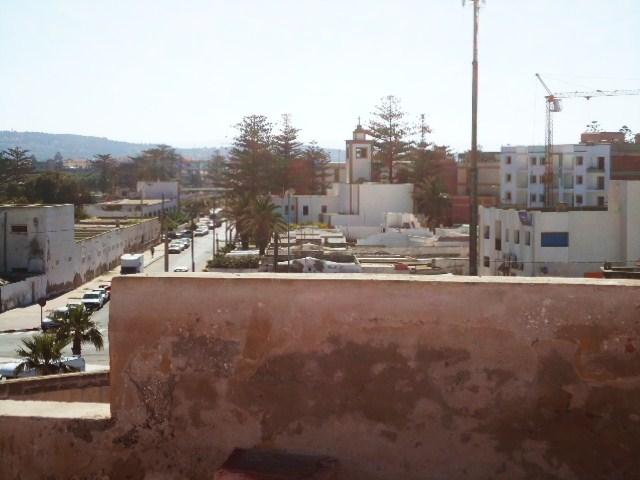 Essaouira- Mogador :Jamais vue de ce coin par oulad lablad :la terrasse du Bastion de Bab Marrakeche : Dsc05117