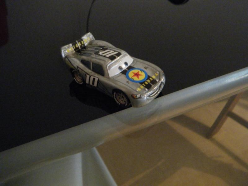 [recensement] Lightning McQueen Pixar Motorama - Page 6 Dscf0612