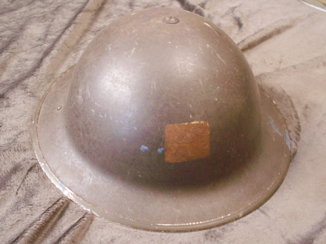 WW II Canadian Helmets - Page 4 Pict0030
